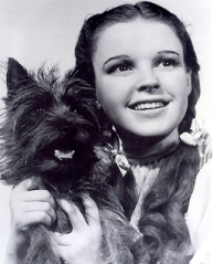 pic13dorothy&tot-bw